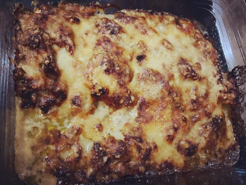 Kip parmezaan met champignonsaus uit de oven